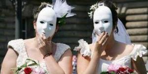 التبني للأزواج المثليين
