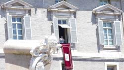البابا يواصل صلاته على نيّة لبنان
